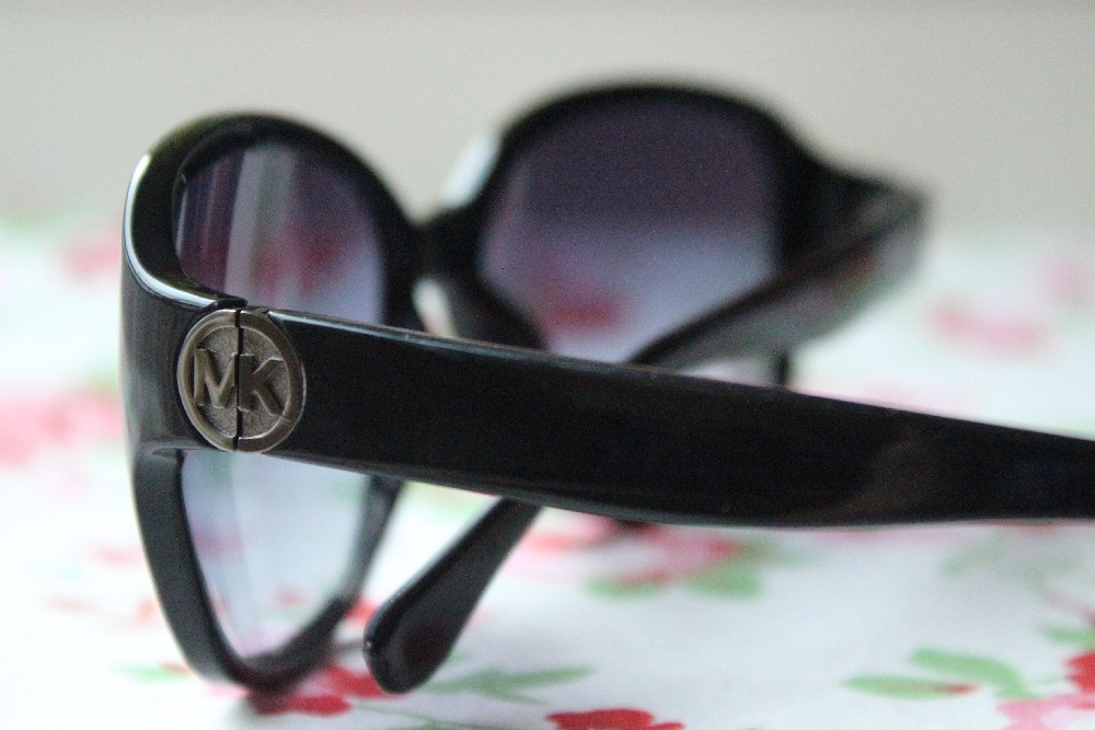 Giveaway Michael Kors Sunglasses (3)